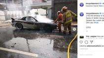 Api Membara Saat Mobil Sport Diuji Kendara