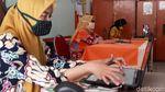Melihat Proses Mengajar Online di SDN 05 Pagi Joglo Jakarta Barat