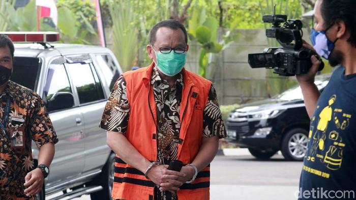 Eks Sekretaris Mahkamah Agung (MA) Nurhadi kembali diperiksa penyidik KPK. Nurhadi menjadi tersangka terkait suap dan gratifikasi penanganan perkara di MA.
