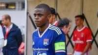 AC Milan Boyong Bek Muda dari Lyon