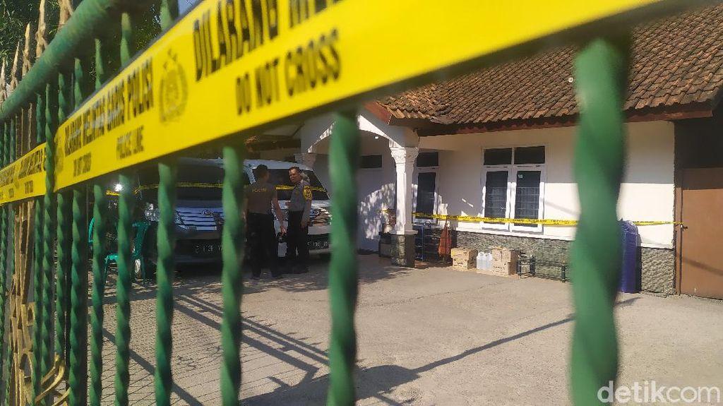 Polisi Geledah 6 Ruangan di Rumah Mewah Big Boss Paket Kurban Cianjur