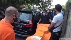 Teka Teki Mayat dalam Mobil Diberondong Peluru Terungkap!