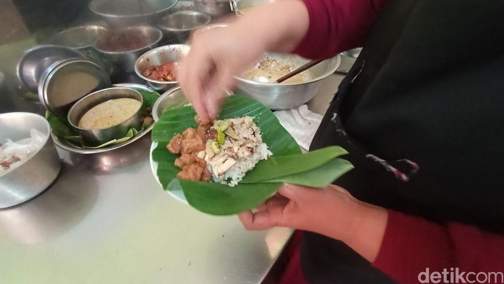 Sedapnya Nasi Opor Ayam Panggang Favorit Sunan Kudus