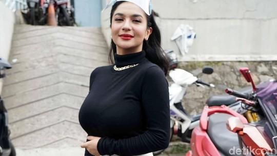 Seksi Banget, Siva Aprilia Bisa Munduran Dikit?