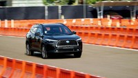 Toyota Corolla Cross Meluncur, Kenapa Banyak Pabrikan Bikin SUV?