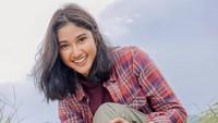 Hobi Traveling, Claresta Taufan Tak Khawatir Kulit Gelap dan Lecet
