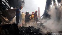 Foto-foto Kebakaran Hebat di Kawasan Industri Sentul