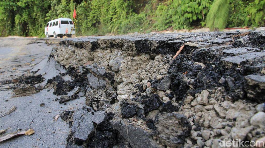 Jalan Penghubung Aceh Barat-Pidie Terancam Putus