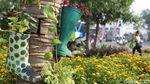 Keren, Taman di Kota Tua Dipasangi Pot Sepatu Boot