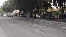 Warga Keluhkan Lubang di Jalan TB Simatupang Medan Sering Bikin Kecelakaan