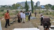 Ditemani Nur Azizah, Maruf Ziarah Makam Pendiri Tangerang di Tangsel