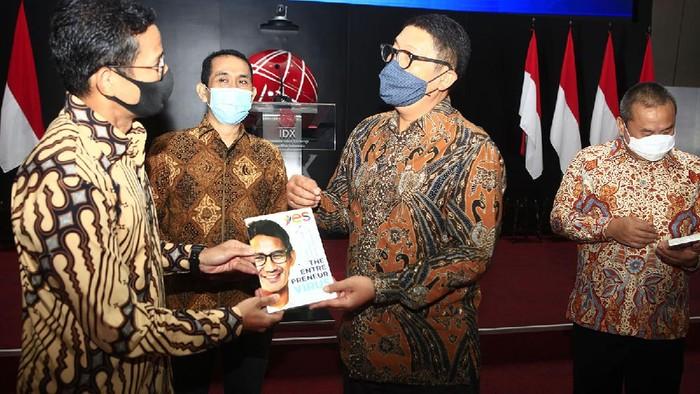MOU BEI dengan KAHMIPreneur untuk cegah resesi dihadiri oleh  Sandiaga Uno dan Kamrussamad di Gedung Bursa Efek Indonesia. Jumat (7/8?2020).