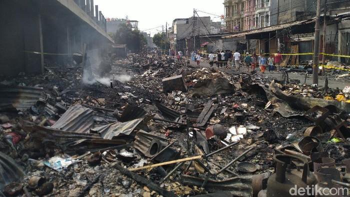 Pasar Timbul Tomang luluh lantak usai kebakaran (Sachril Agustin Berutu/detikcom)
