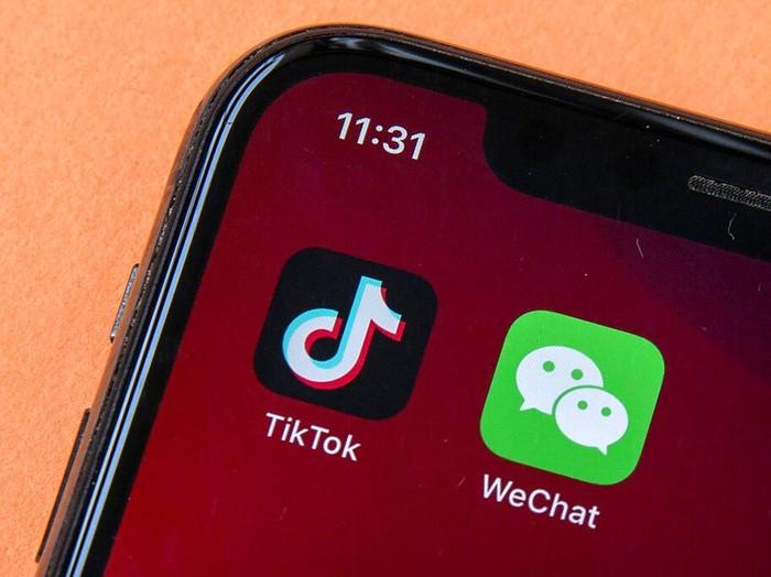 Presiden AS Donald Trump resmi keluarkan perintah eksekutif melarang TikTok dan WeChat beroperasi di AS. Aturan itu berlaku dalam 45 hari ke depan.