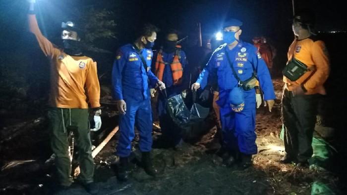 Satu dari lima korban hilang terseret ombak Pantai Goa Cemara, Bantul ditemukan tewas, Jumat (7/8/2020).