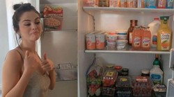 Selena Gomez Pamer Isi Kulkas, Ternyata Surga Es Krim!