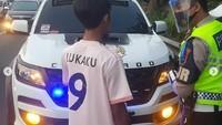 Duh! Masih Ada Aja Mobil Mewah Pribadi Pakai Strobo, Netizen: Arogan, Biar Sangar?