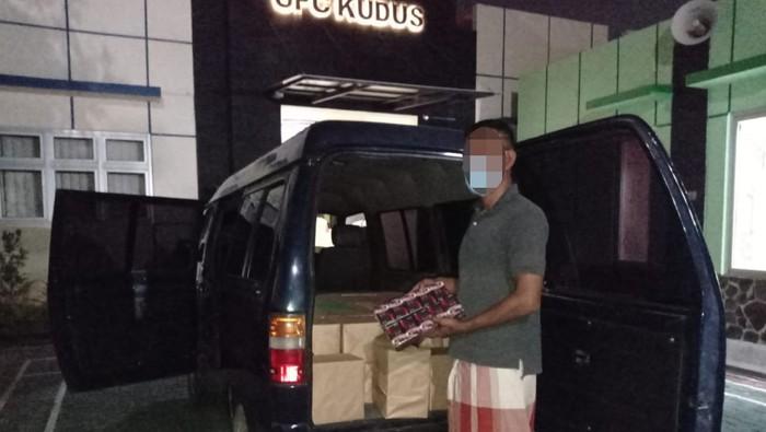 Bea Cukai Kudus tindak satu unit mobil berisi rokok ilegal, Jumat (7/8/2020).