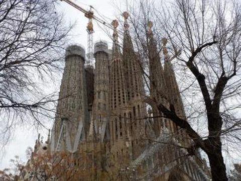 Menjelajahi Barcelona, Kota dengan Arsitektur yang Menawan