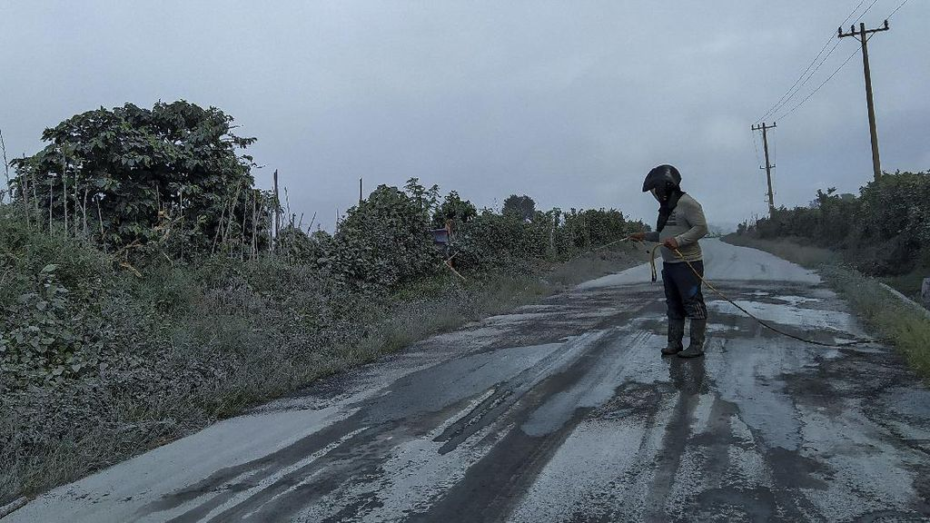Penampakan 3 Kecamatan Tertutup Abu Pascaerupsi Gunung Sinabung
