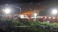 Pesawat India Terbelah Dua di Bandara Calicut, 16 Orang Tewas