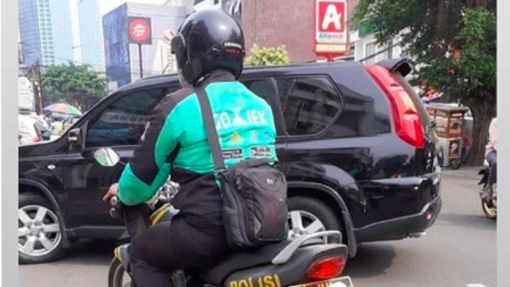 Bingung Nih, Ini Pak Polisi Sampingannya Ojol atau Sebaliknya Ya?