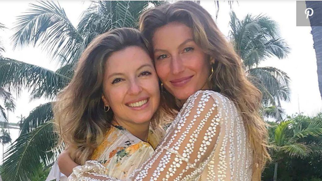 7 Selebriti yang Nggak Disangka Punya Saudara Kembar