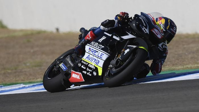 JEREZ DE LA FRONTERA, SPAIN - JULY 15: Johann Zarco of France and Reale Avintia Racing rounds the bend during the MotoGP tests at the Circuito de Jerez on July 15, 2020 in Jerez de la Frontera, Spain. (Photo by Mirco Lazzari gp/Getty Images)