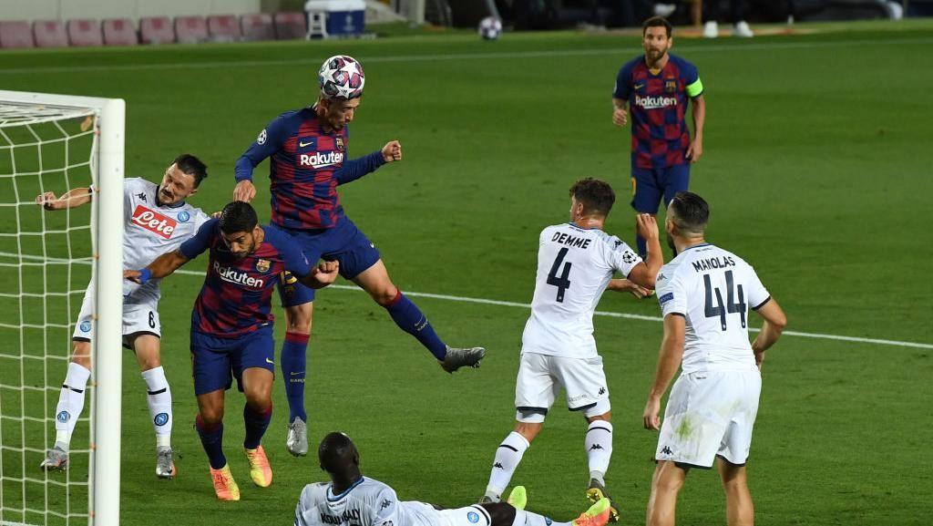 Video Barcelona Tendang Napoli dari Liga Champions