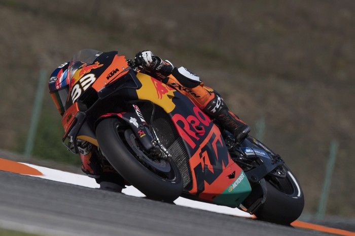 BRNO, CZECH REPUBLIC - AUGUST 07:  Brad Binder of Germany and Red Bull KTM Factory Racing  rounds the bend during the MotoGP Of Czech Republic - Free Practice at Brno Circuit on August 07, 2020 in Brno, Czech Republic. (Photo by Mirco Lazzari gp/Getty Images)