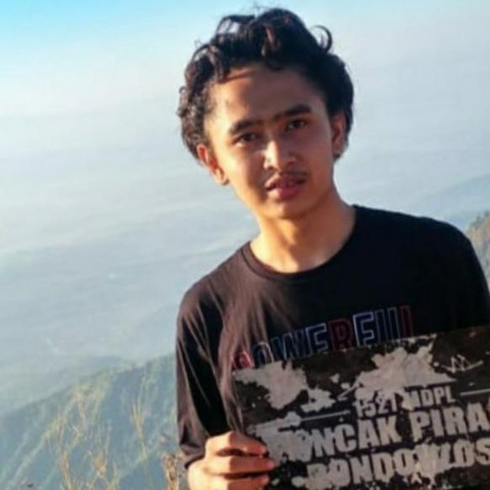 Seorang pelajar SMA jatuh ke jurang 100 meter di Bukit Piramid Bondowoso. Bagaimana kronologinya?