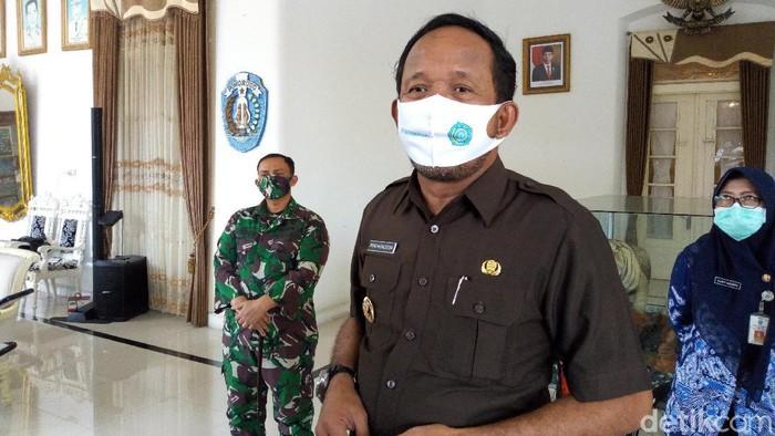 Empat staf Puskesmas Wringinanom, Kecamatan Sambit positif COVID-19. Puskesmas ditutup sementara.
