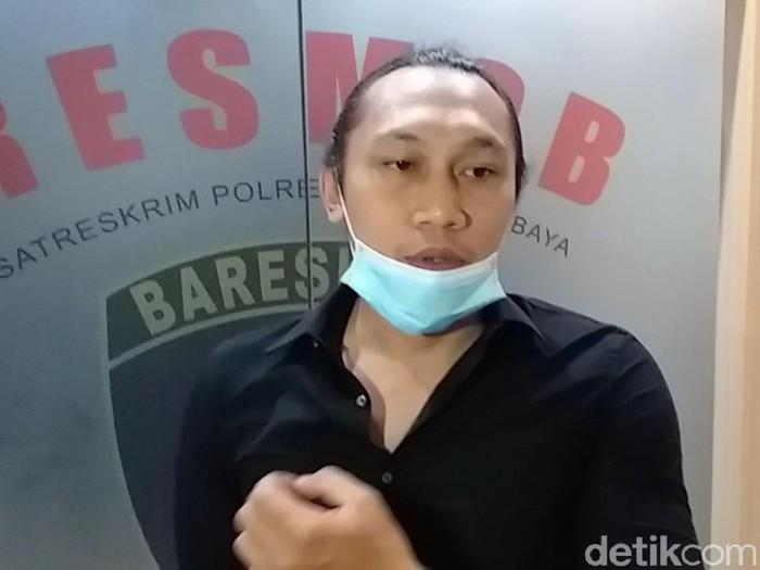 Ivo Yuliansyah, pengacara Gilang predator fetish pocong mengungkapkan, kliennya sangat tenang dalam mengahadapi kasusnya. Gilang juga terbilang kooperatif.