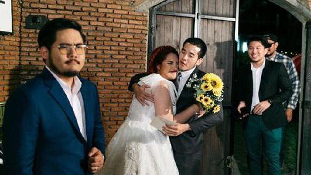 Kisah-kisah Miris Mereka yang Datang ke Pernikahan Mantan, Jagain Jodoh Orang