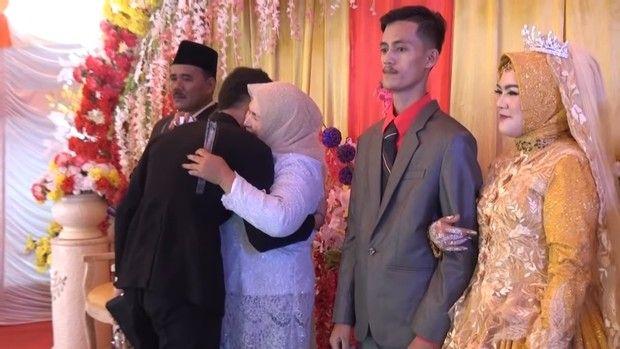 Pria datang ke pernikahan mantan yang dipacari 11 tahun.