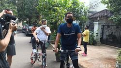 Mendag-Sandiaga Gowes Bareng, Lanjut Sarapan Bubur