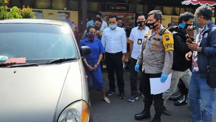 PSK pencuri mobil PNS di Salatiga bersama barang bukti mobil