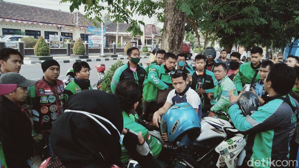 Pencuri Berjaket Ojol Gentayangan di Klaten, Belasan Driver Datangi Polisi
