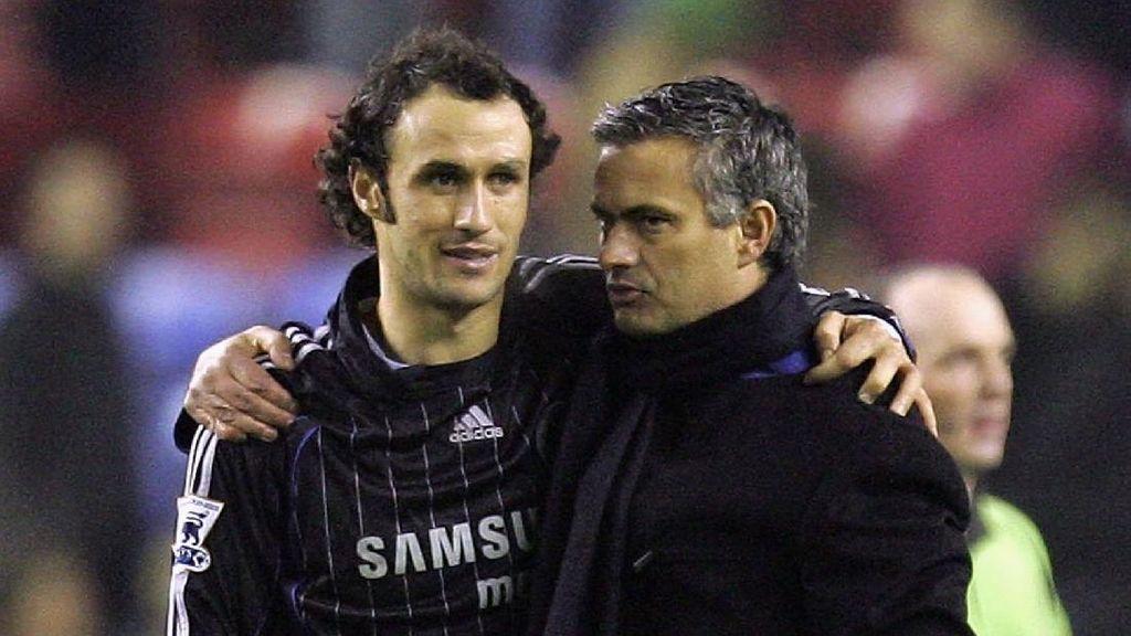 Jose Mourinho Bukannya Sudah Tidak Sakti Lagi, tapi...