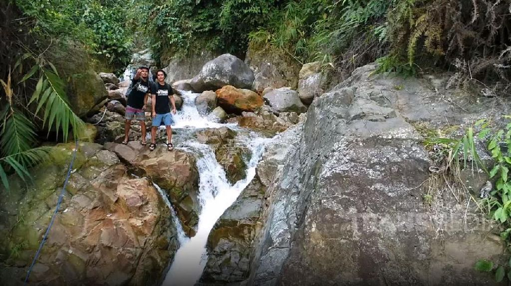 My Trip My Adventure: Main Air di Curug Ciburial