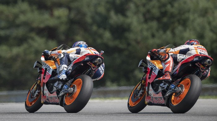 BRNO, CZECH REPUBLIC - AUGUST 09: Alex Marquez of Spain and Repsol Honda Honda  leads the field during the MotoGP race during the MotoGP Of Czech Republic at Brno Circuit on August 09, 2020 in Brno, Czech Republic. (Photo by Mirco Lazzari gp/Getty Images)