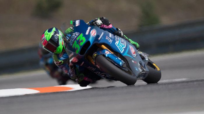 BRNO, CZECH REPUBLIC - AUGUST 09:  Enea Bastianini of Italy and Italtrans Racing Team rounds the bend during the Moto2 race during the MotoGP Of Czech Republic at Brno Circuit on August 09, 2020 in Brno, Czech Republic. (Photo by Mirco Lazzari gp/Getty Images)