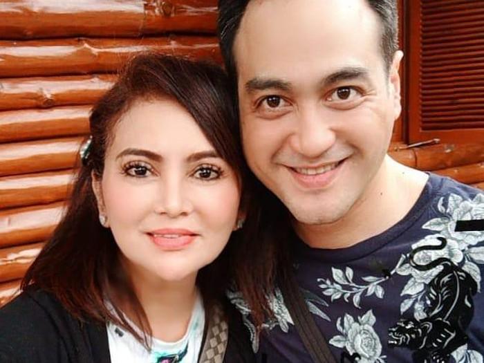 Ferry Irawan dan istri