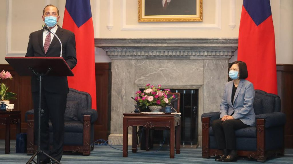 Menkes AS Bertemu Presiden Taiwan, China Kerahkan Jet Tempur