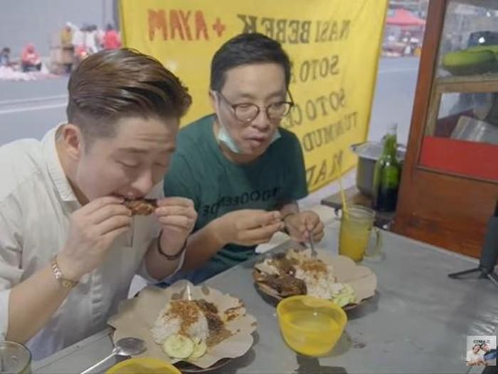 Reaksi Orang Korea Cicip Nasi Bebek Madura