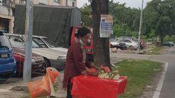 Terserang Kanker, Wanita Ini Tetap Semangat Jualan Nasi Lemak