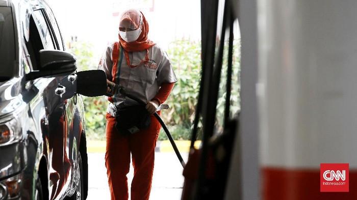 Dalam rangka menyambut HUT RI ke-75 PT Pertamina (Persero) menggelar diskon pembelian bahan bakar minyak (BBM). Diskon diberikan dalam bentuk cashback atau pengembalian dana hingga 30 persen untuk pembelian BBM Pertalite, Pertamax, Pertamax Turbo, Dexlite, dan Pertamina Dex. Selama satu bulan penuh mulai dari 1-31 Agustus 2020.Jakarta. Senin (10/8/2020). CNN Indonesia/Andry Novelino