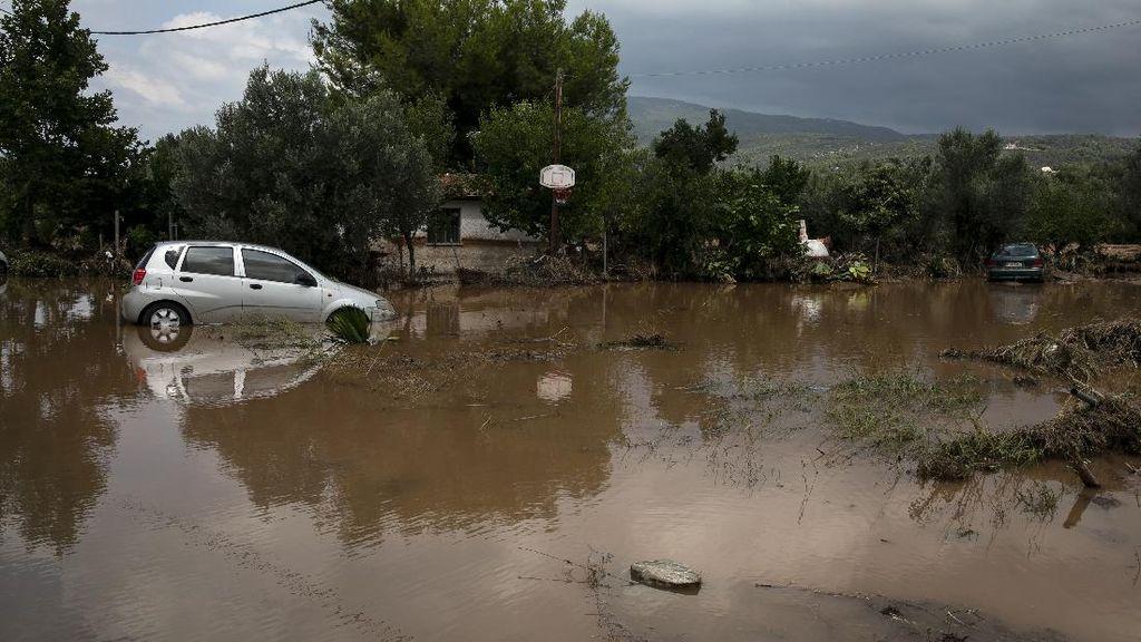7 Orang Tewas dalam Banjir Bandang di Pulau Evia Yunani
