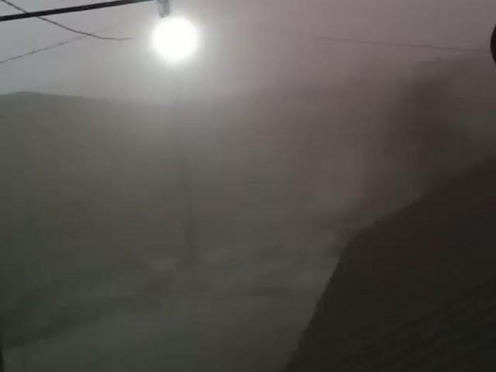 Potret suasana di Naman Teran saat erupsi Gunung Sinabung (dok. Bavo)