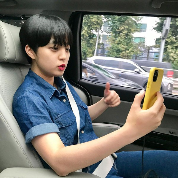 Sosok Anggota DPR Millennial yang Dikritik Karena Pakai Dress Pendek